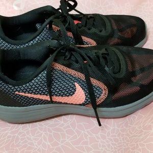 Nike Women's 6 Revolution 3 running shoes